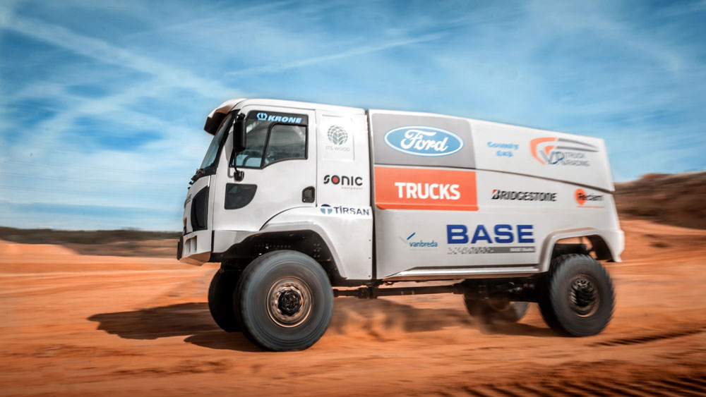 Ford-Trucks_Dakar