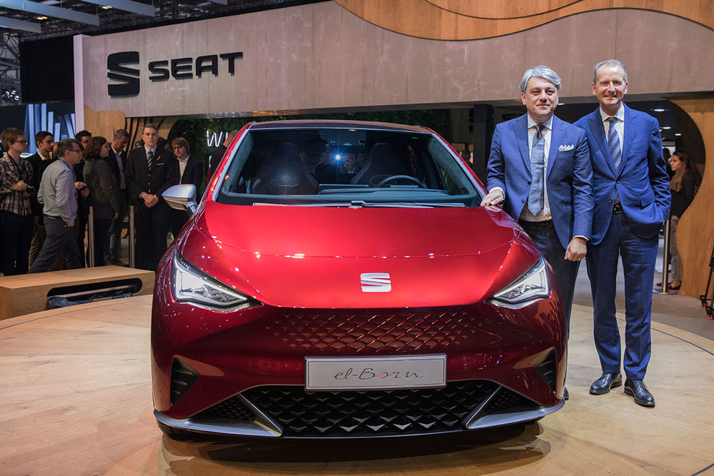 SEAT_kicks_off_its_e_mobility_offensive_in_Geneva_01_HQ
