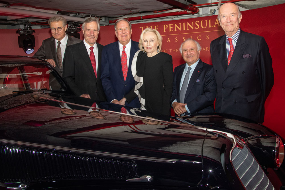 The_owners_of_the_winning_car__David_and_Ginny_Sydorick__with_The_Peninsula_Classics_Best_of_the_Best_Award_founders__2_