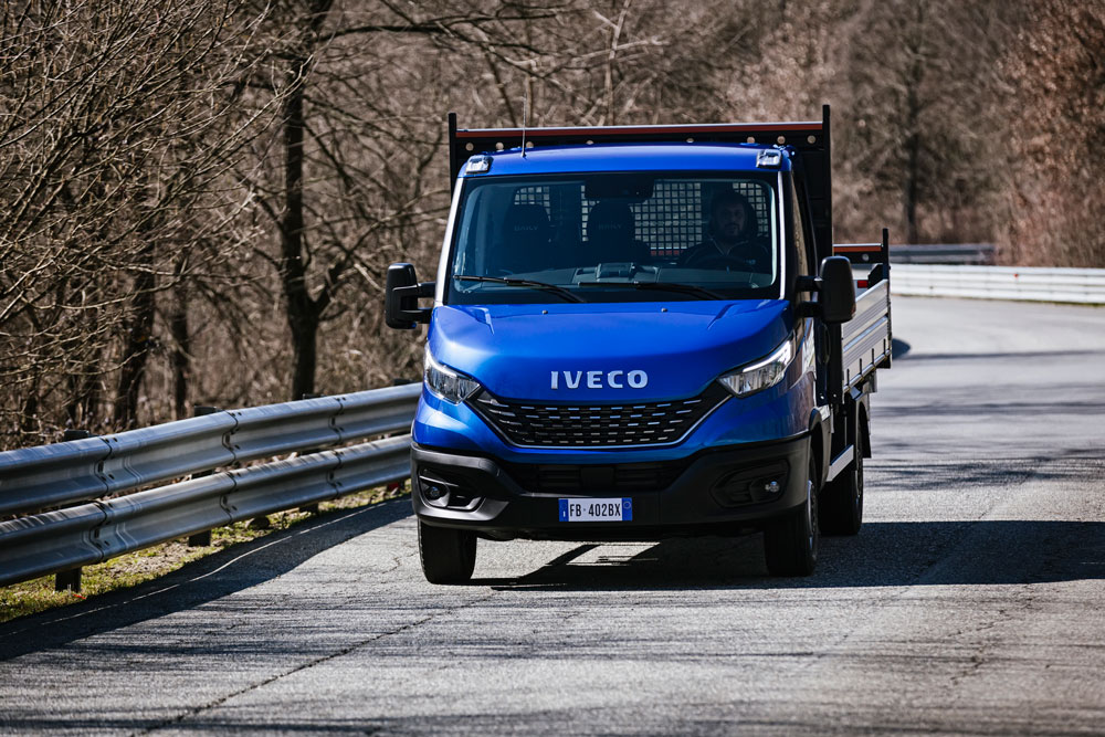 06-IVECO_NewDaily_cab-Tipper