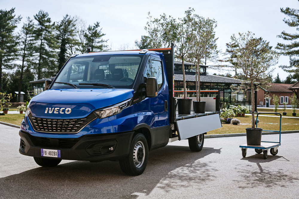 07-IVECO_NewDaily_cab-Tipper