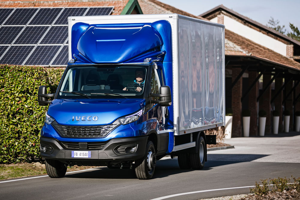 10-IVECO_NewDaily_CabBox