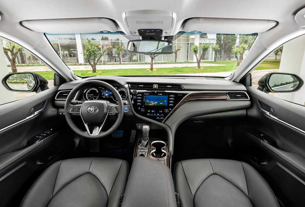Camry-Hybrid-interior-(9)