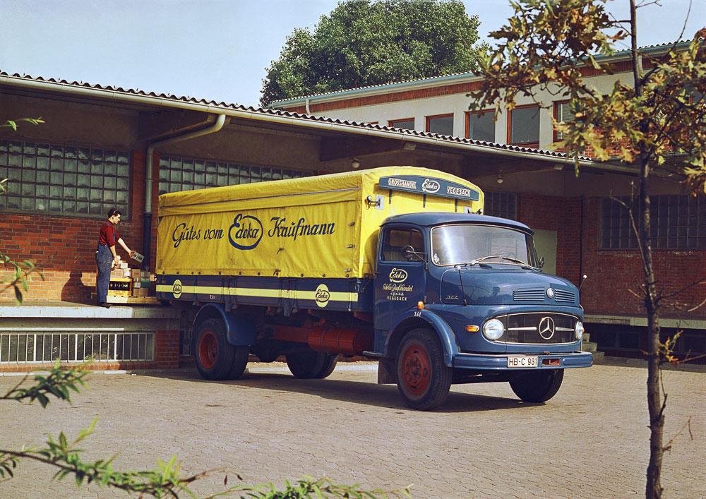 Mercedes-Benz-322-01