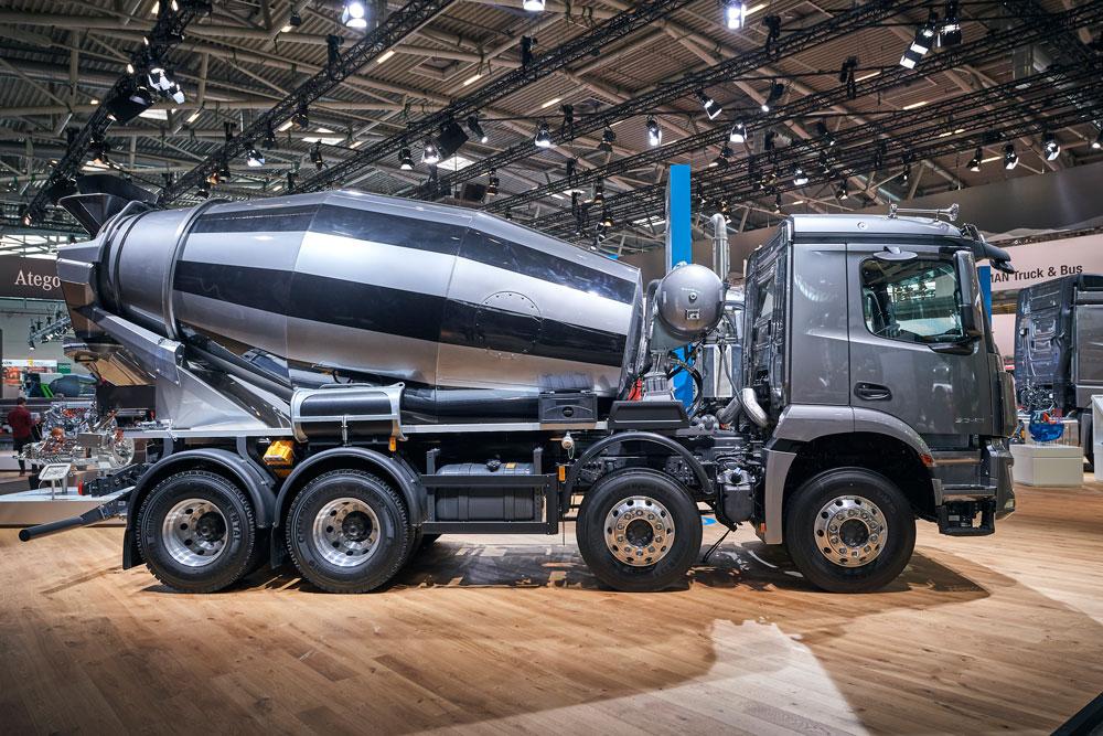 Mercedes-Benz-Arocs-bauma-01