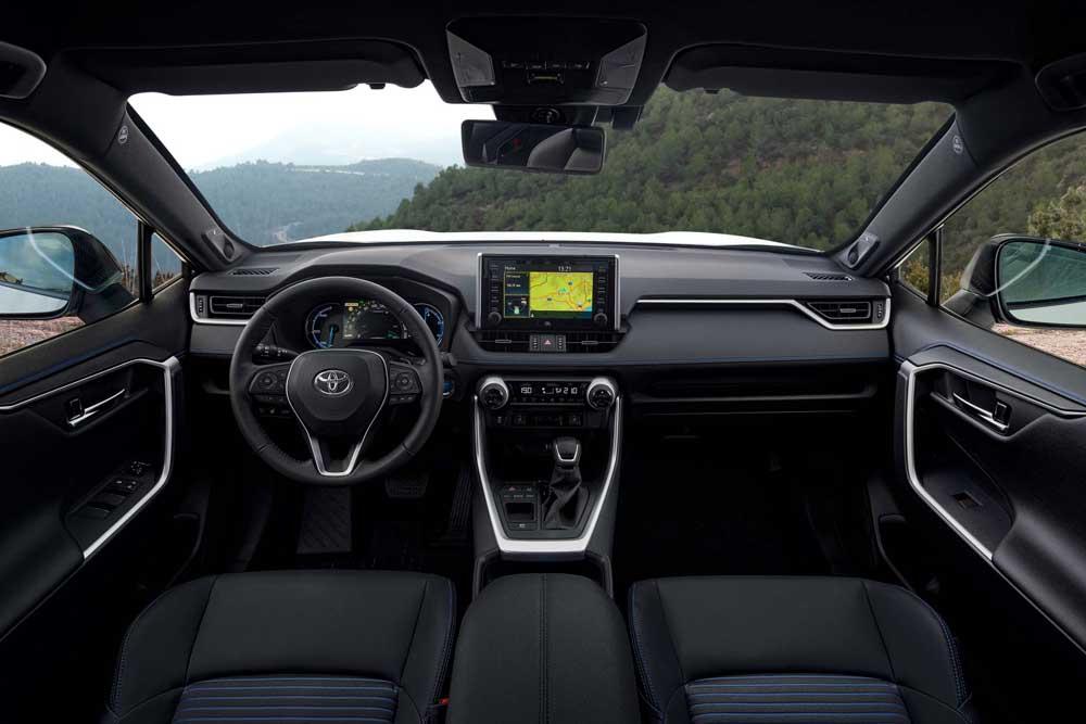 RAV4-Hybrid-interior