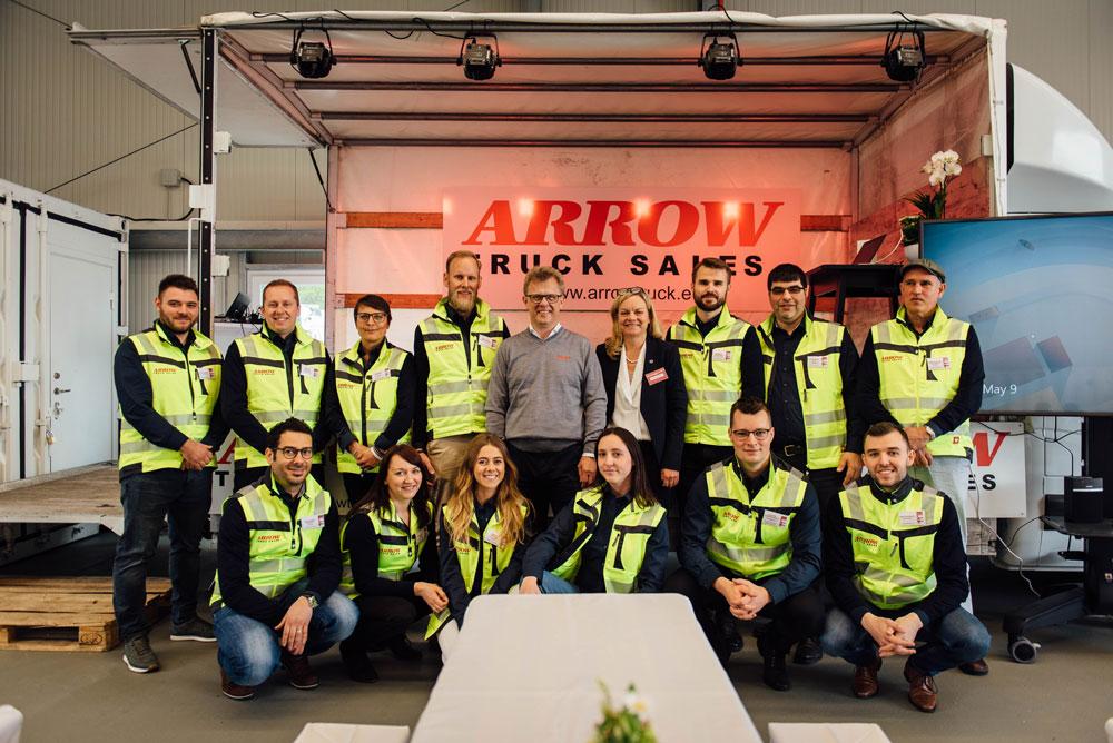 Arrow-multiligual-team