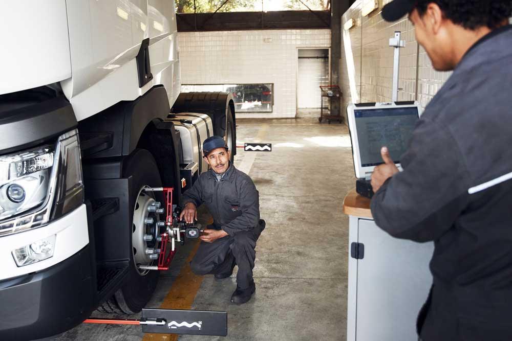 Renault-trucks-rtec-2019-1