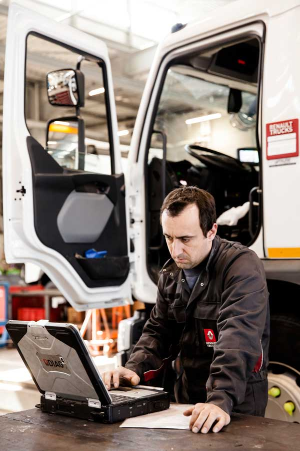 Renault-trucks-rtec-2019-4