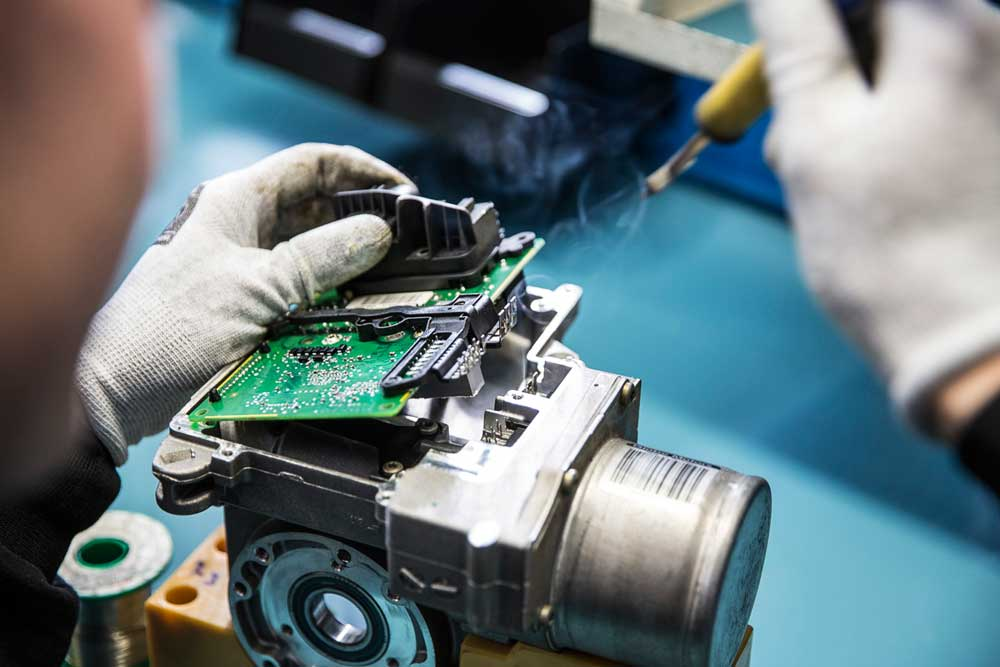 19-06-11_ZFA-Remanufacturing_electronics