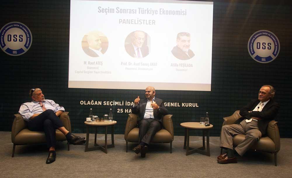 Panele Türkiye'nin tanınmış ekonomistleri Asaf Savaş Akat ve Atilla Yeşilada konuşmacı olarak katıldı.