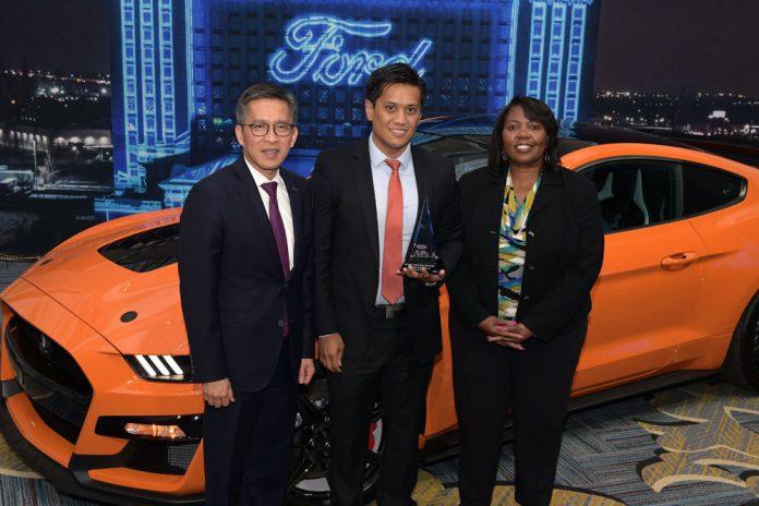 Pirelli_awarded_by_Ford