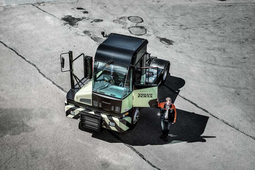 Volvo-Penta-powered-electric-terminal-tractor-to-star-at-TOC-Europe_3