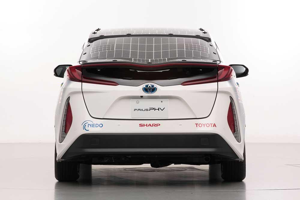 Toyota-Prius-PHEV-(1)