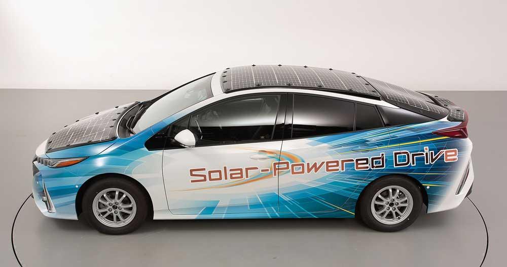 Toyota-Prius-PHEV-(5)