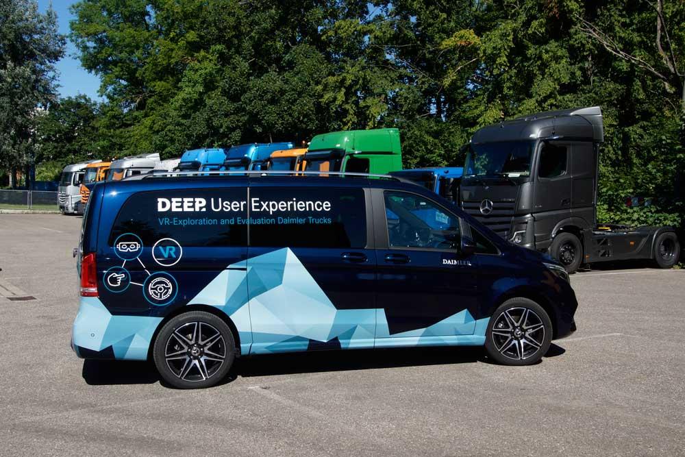 daimler-Trucks-mobile-simulator-02