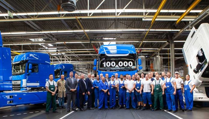100000th-New-DAF-CF-and-XF-02