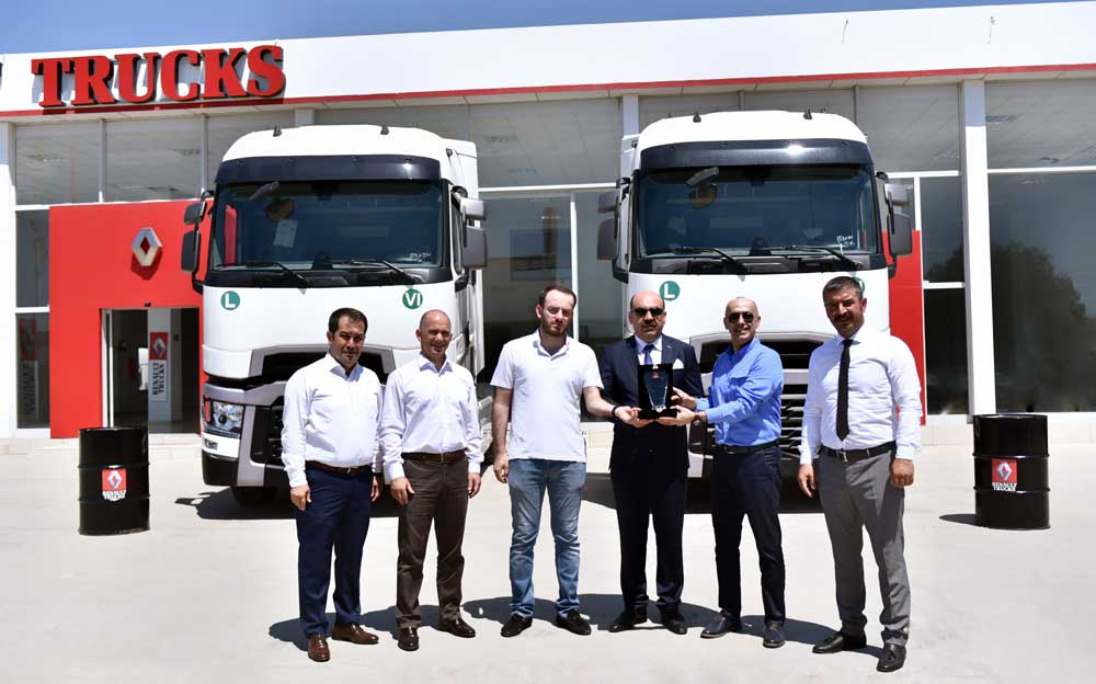 Renault-Trucks_Ocaktrans-Uluslararasi-Nakliyat_Teslimat_Gorsel_1