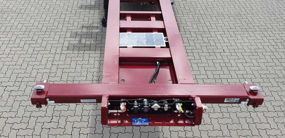Thermo_King_Genset_Solar_Panels-02