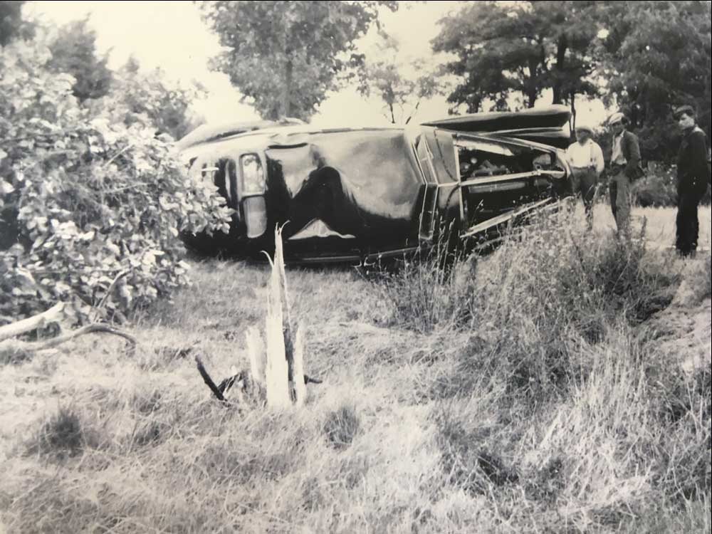 bentley_1939_Corniche_crash__12_