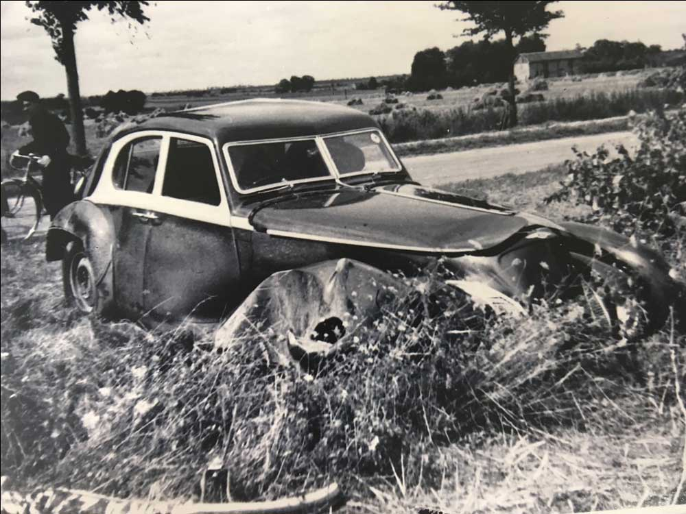 bentley_1939_Corniche_crash__13_