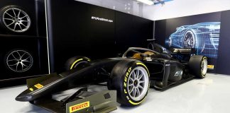 pirelli_F2_car_with_18_inch_tyres