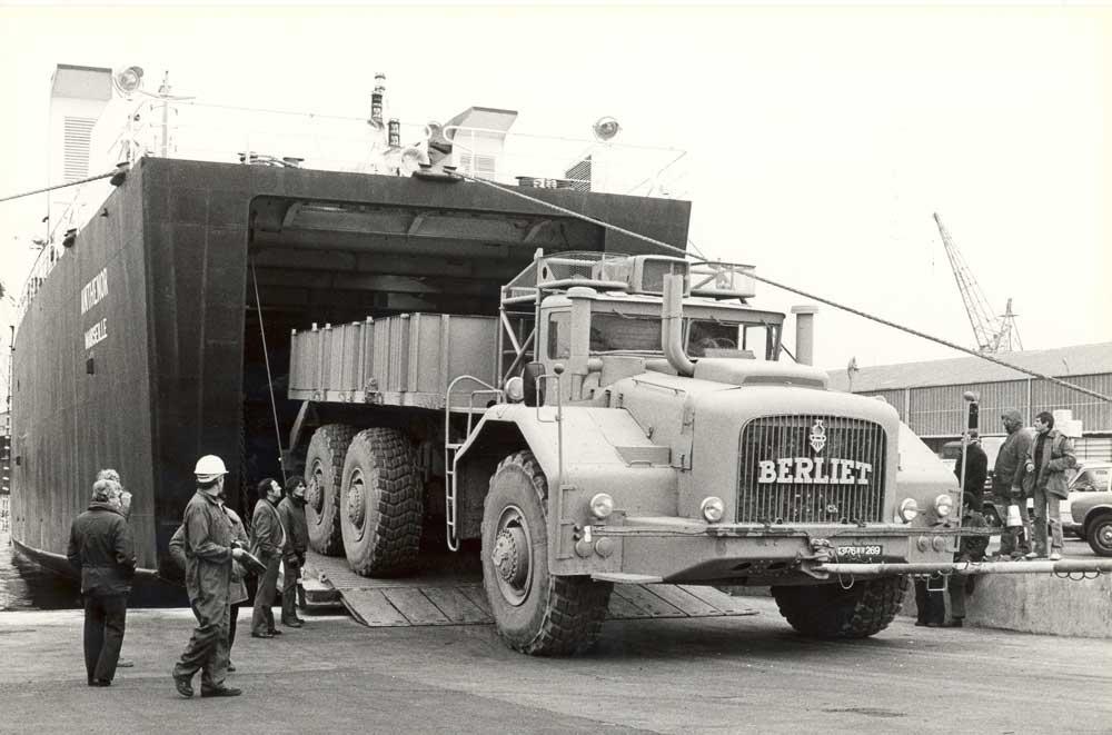 berliet-t100-2-embarquement-81