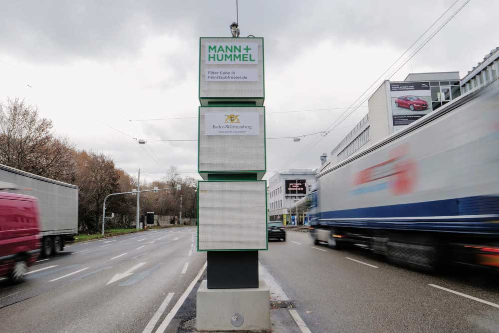 Feinstaubfresser_Filter_Cubes_at_Stuttgart_Neckartor_5_MH_0119