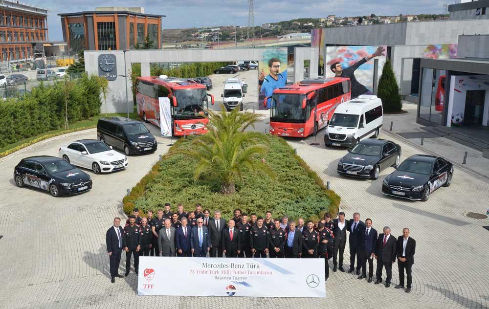 Mercedes-Benz-Turk-Turkiye-Futbol-Federasyonu-imza-Toreni_1