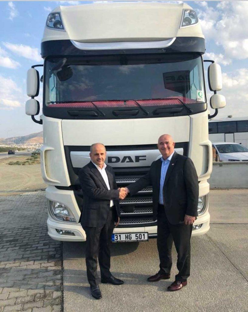 DAF Trucks Türkiye Genel Müdürü Gregor van Dermark ile Gülsan Taşımacılık Genel Müdürü Kemal Gül