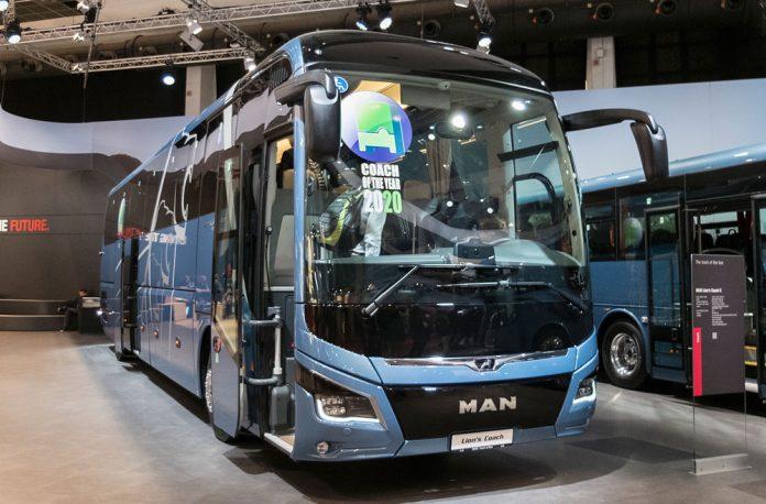 man-lions-coach-2020