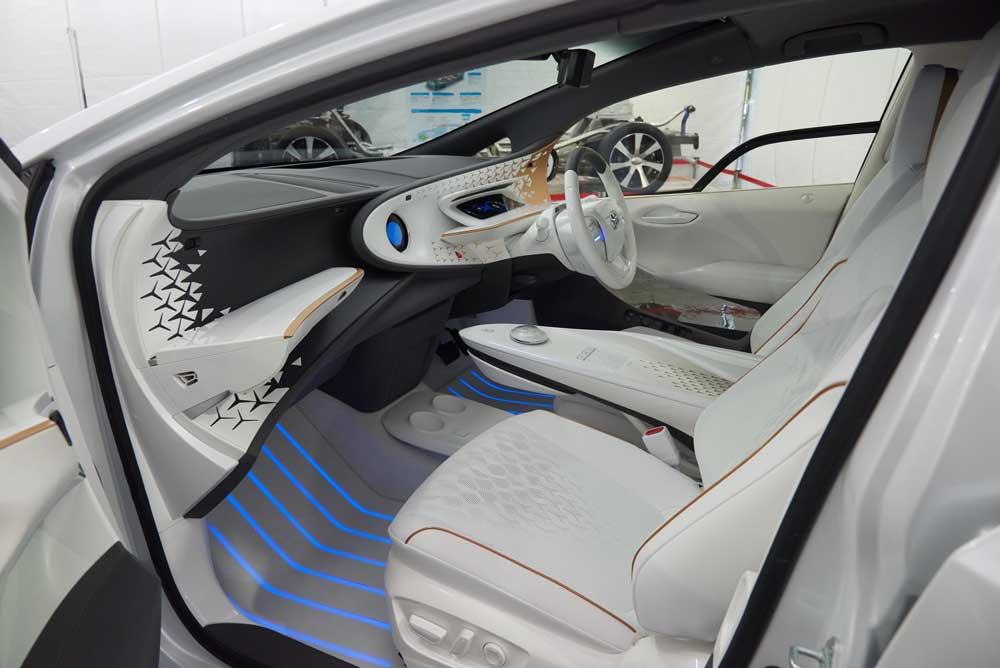 Toyota LQ iç görünüm