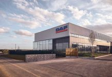 DAF_Trucks_opens_second_Paris_dealership