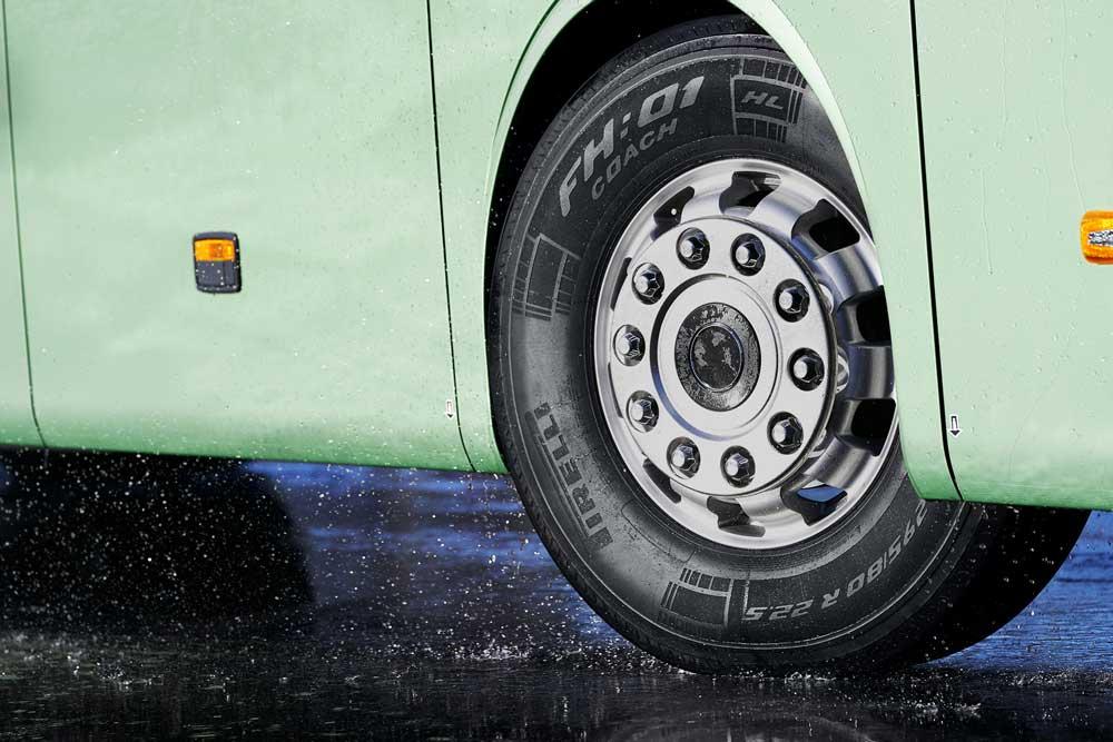 Pirelli-New-H01-Coach