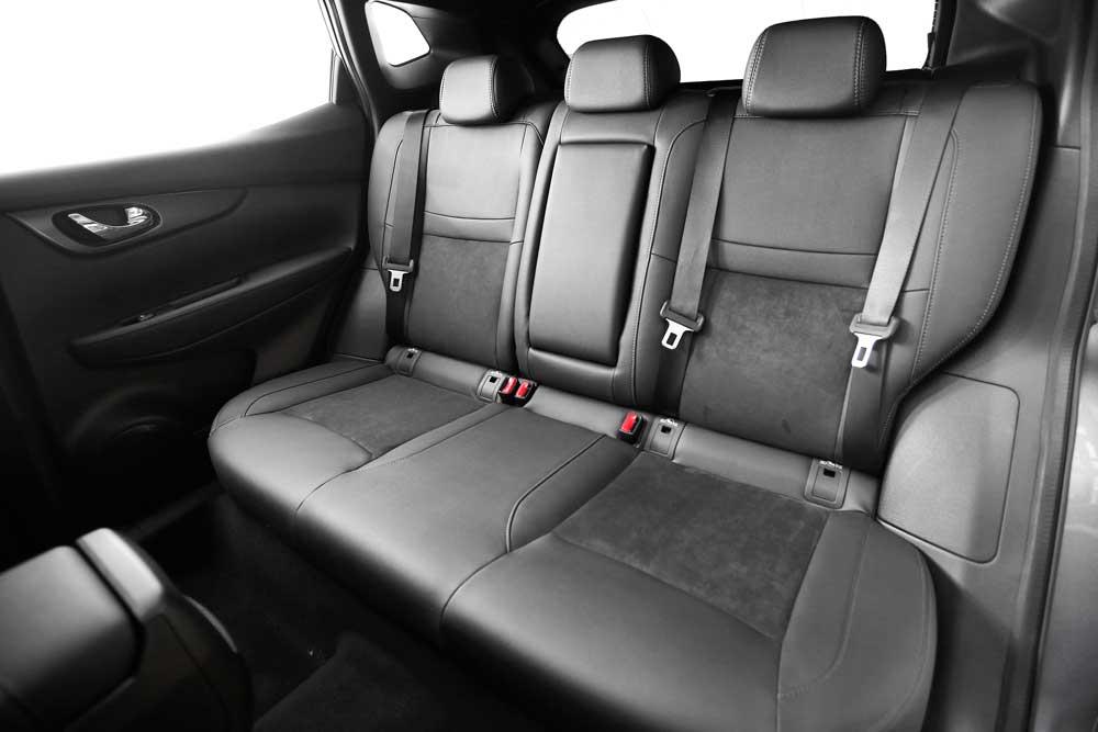 nissan_JPG_source.Jan_16___10am_CET___QASHQAI_N_TEC_backseat