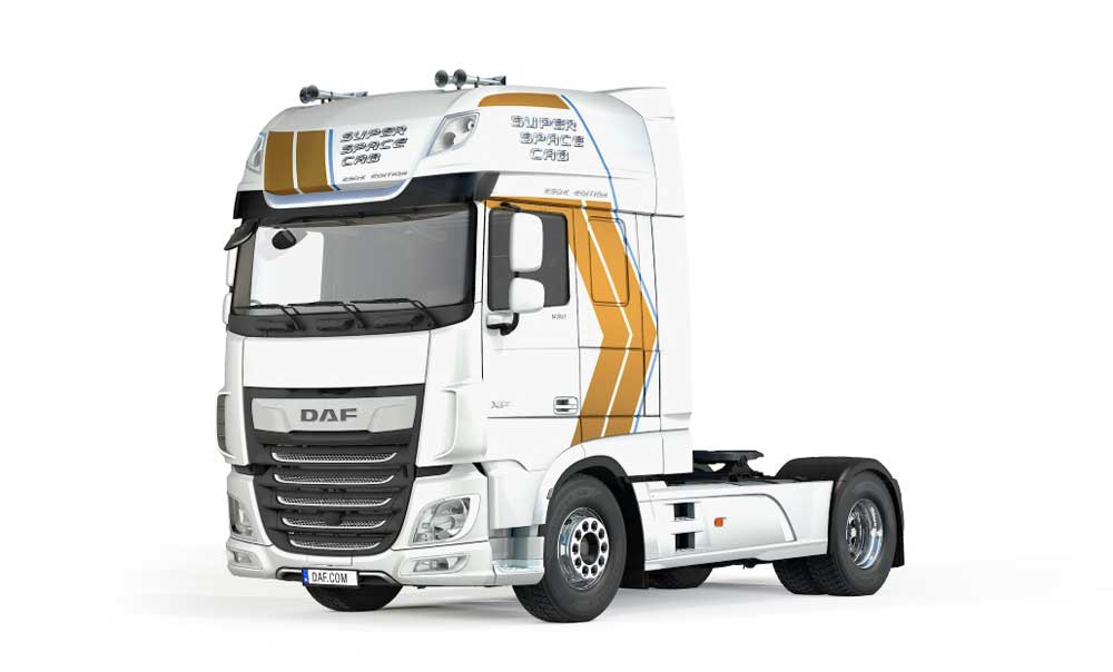 DAF_Super_Space_Cab_Celebration_Edition_White