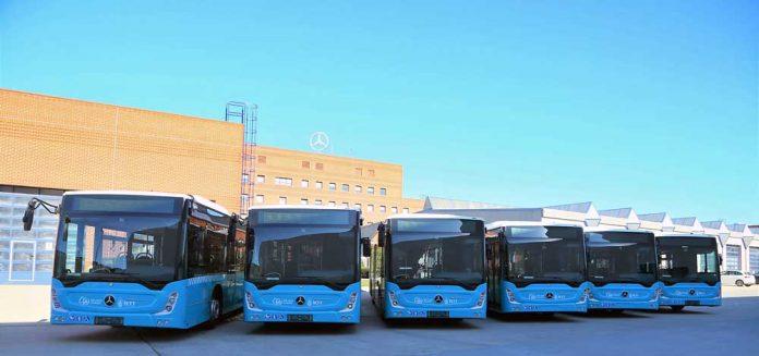 Özulaş Toplu Taşım A.Ş., Özel Halk Otobüsü hatlarında kullanılmak üzere 8 adet 2020 model Mercedes-Benz Conecto aracı Mercedes-Benz Türk Genel Müdürlük Kampüsü'nde düzenlenen törenle teslim aldı.
