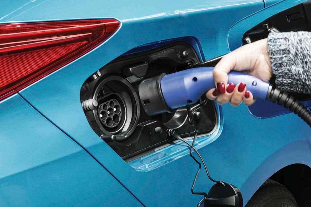 Toyota-Panasonic-Elektrikli-Araclar-icin-Batarya-Uretecek-1