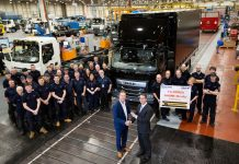 Hallam_Express_receives_keys_of_10,000th_DAF_truck_with_as-factory_PACCAR_body-1500