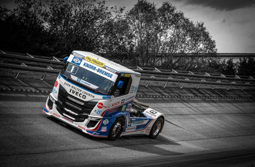 IVECO-S-WAY-R-racing-trucks-2