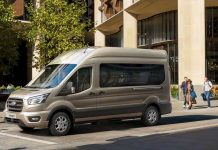 10-speed-auto-is-available-on-panel-van-and-minibus-versions-of-Transit