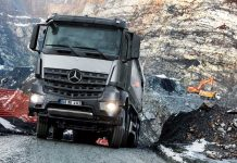 Mercedes-Benz-Arocs-4142-01
