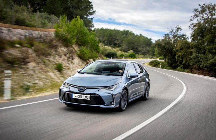 Corolla-Hybrid-2