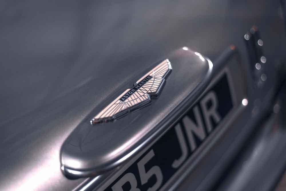 DB5Junior_Details_Wingsrear
