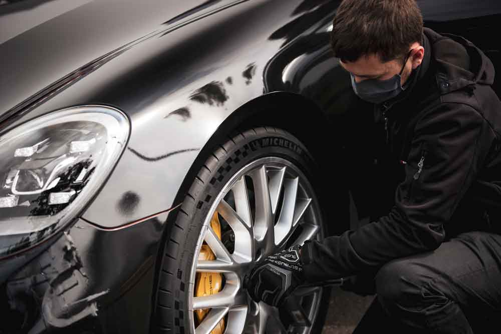 Michelin_Porsche_Panamera_Record_1