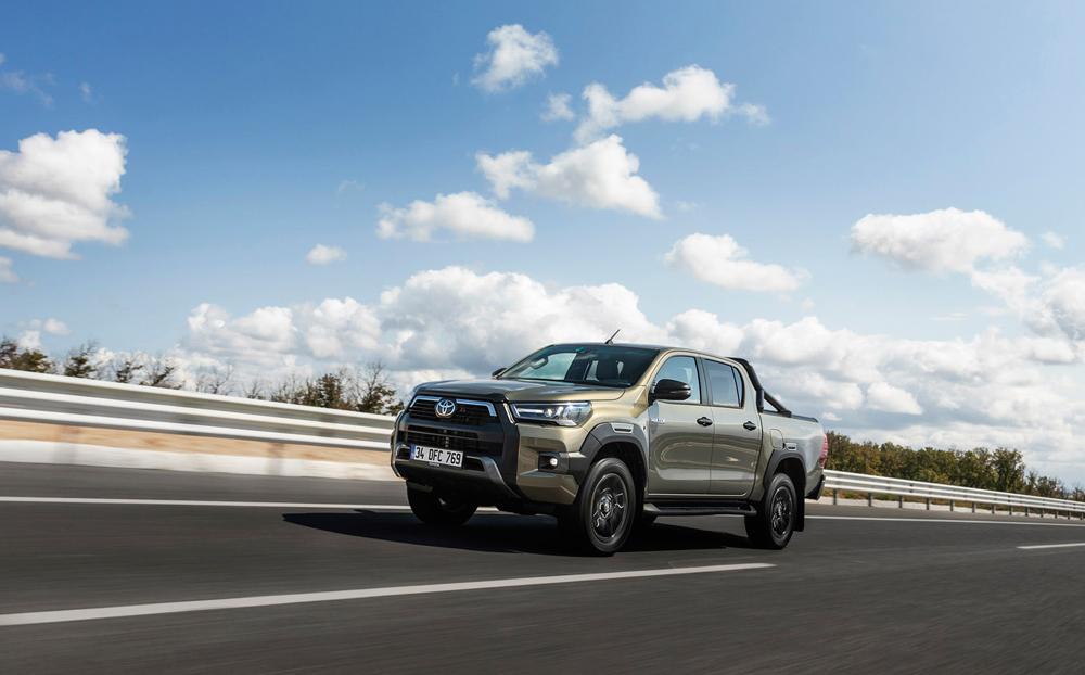 Yeni-Toyota-Hilux-4