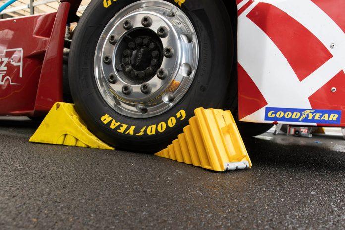 goodyear-truck-racing