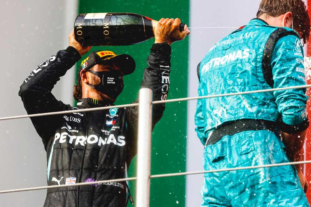 Mercedes-AMG-Petronas-02