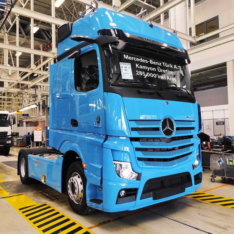 Mercedes-Benz-Turk-Aksaray-Kamyon-Fabrikasi-285.000