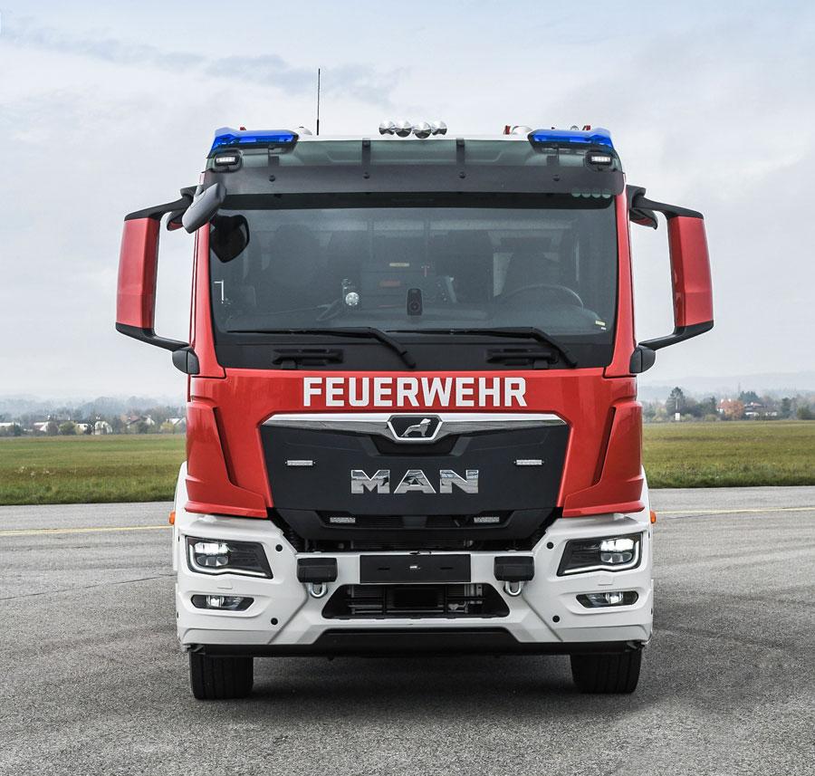 man-tgm-eod-firetruck-front-01